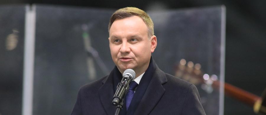 Prezydent Andrzej Duda jest gotowy spotkać się z przewodniczącym PKW, sędzią Wojciechem Hermelińskim, jeśli jest taka potrzeba i takie oczekiwanie ze strony szefa PKW - powiedział w piątek PAP rzecznik prezydenta Krzysztof Łapiński.