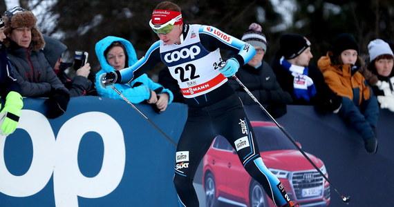 Justyna Kowalczyk zajęła w sobotę 50. miejsce w biegu na 10 km techniką dowolną narciarskiego Pucharu Świata w Dobbiaco. Triumfowała Szwedka Charlotte Kalla. Polka straciła do niej 2:06,7s.