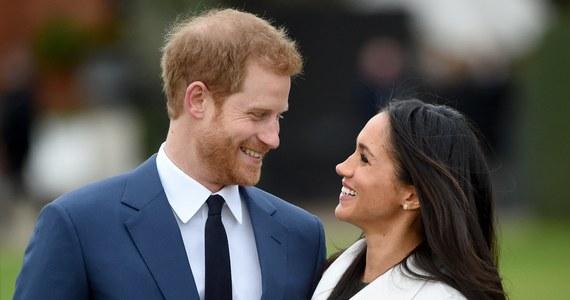 """""""Samobójcza bramka"""" - tak brytyjskie media komentują ogłoszoną wczoraj datę ślubu księcia Harry'ego z Meghan Markle. Powiedzą sakramentalne """"tak"""" 19 maja przyszłego roku, czyli w dniu, w którym rozegrany zostanie na Wembley finał Pucharu Anglii. Dla milionów Wyspiarzy to święto narodowe."""