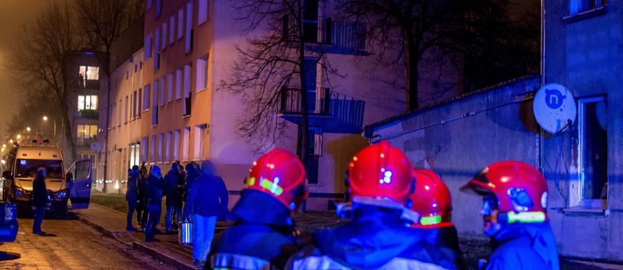 Łódzka prokuratura skierowała wniosek o areszt dla 39-latka, który nielegalnie produkował środki wybuchowe. W wyniku ich eksplozji w mieszkaniu przy ul. Przemysłowej obrażeń doznało czworo funkcjonariuszy policji i straży pożarnej.