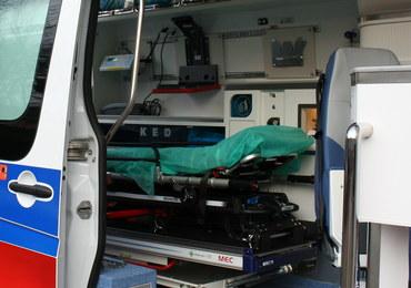 Jelenia Góra: Przechodzień w ciężkim stanie. Został zaatakowany nożem?