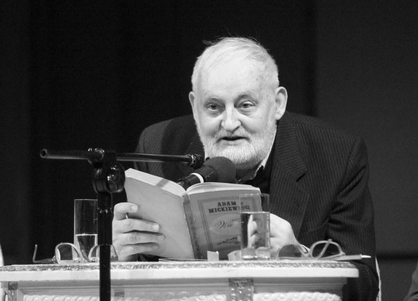 W niedzielę (17 grudnia) w wieku niespełna 80 lat zmarł Leszek A. Moczulski, poeta i autor tekstów wielu znanych polskich piosenek.