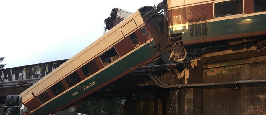 Co najmniej trzy osoby zginęły, a ok. 70 zostało rannych, w tym 10 ciężko, w poniedziałkowej katastrofie kolejowej w stanie Waszyngton na północnym zachodzie USA - poinformowały lokalne władze. Poprzedni bilans mówił o co najmniej sześciu zabitych. Zrewidowany bilans ofiar śmiertelnych potwierdzili przedstawiciele straży pożarnej i stanowych służb bezpieczeństwa, Larry Creekmore i Jon Nelson.