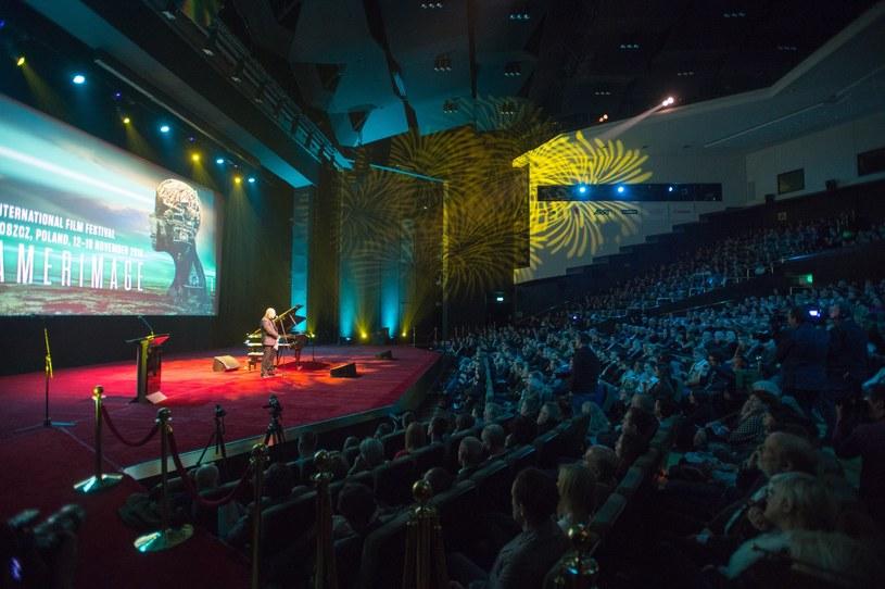 """Międzynarodowy Festiwal Sztuki Autorów Zdjęć Filmowych """"Camerimage"""" nadal - przez kolejne cztery lata - ma odbywać się w Bydgoszczy. Prezydent miasta Rafał Bruski w styczniu 2018 r. zwróci się w tej sprawie do radnych."""