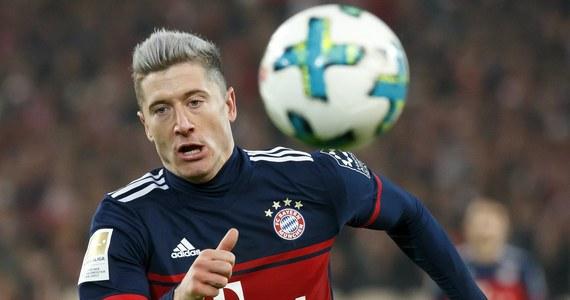 W środowy wieczór Bayern podejmie w Monachium Borussię Dortmund w Pucharze Niemiec. Stawką ostatniego meczu obu drużyn w 2017 roku będzie awans do ćwierćfinału. Piłkarz gospodarzy Robert Lewandowski może zostać najskuteczniejszym strzelcem ostatnich 12 miesięcy.