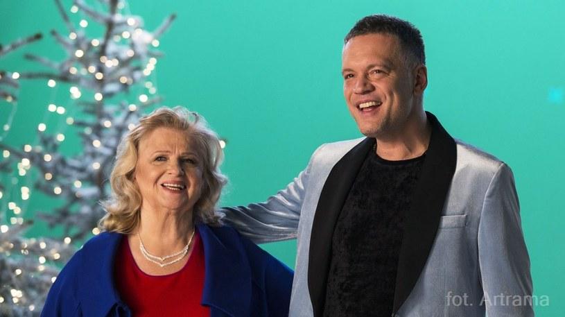 """Poniżej możecie zobaczyć świąteczny teledysk """"Czas pojednań"""" przygotowany przez Stanisławę Celińską, Krzysztofa Antkowiaka i chór Sound'n'Grace."""
