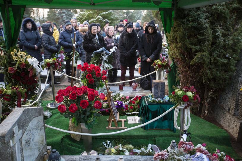 """We wtorek (19 grudnia) na Cmentarzu Łostowice w Gdańsku odbył się pogrzeb Jana """"Yacha"""" Paszkiewicza, współtwórcy Festiwalu Polskich Wideoklipów Yach Film."""