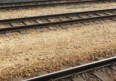 """Zamknięte wszystkie przejazdy kolejowe w Nowej Soli. Powodem """"lokomotywa-widmo"""""""