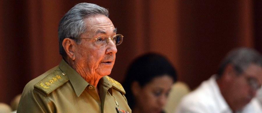 Kubański przywódca Raul Castro ustąpi z urzędu 19 kwietnia 2018 roku. Początkowo miał zrezygnować już w lutym, jednak ostatecznie odejście jednego z przywódców kubańskiej rewolucji odroczono o dwa miesiące.
