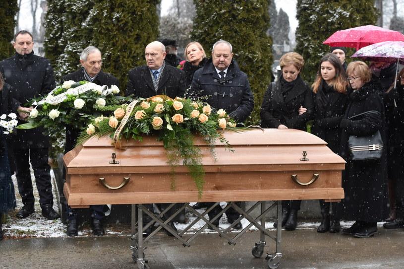 W Krakowie pożegnano Leszka Aleksandra Moczulskiego, poetę i znanego autora tekstów piosenek, wykonywanych m.in. przez Skaldów i Marka Grechutę. 79-letni artysta został pochowany w czwartek (21 grudnia) na Cmentarzu Salwatorskim w Krakowie.