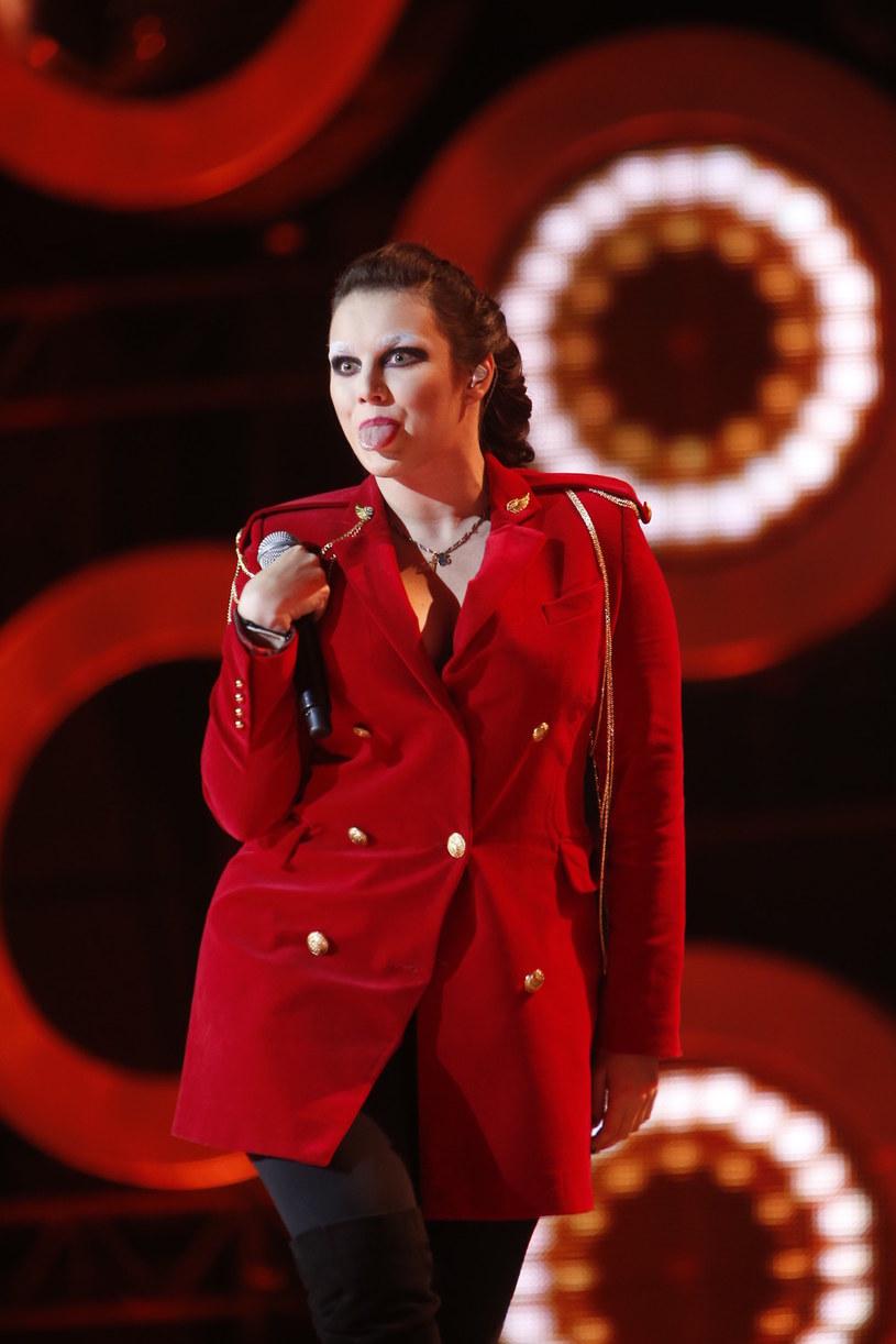 Czego możemy spodziewać się po występie Ewy Farnej podczas Sylwestrowej Mocy Przebojów w Katowicach? Zobaczcie sami!