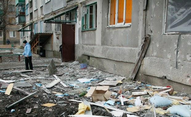 Kanclerz Niemiec Angela Merkel i prezydent Francji Emmanuel Macron zaapelowali w sobotę do stron konfliktu odpowiedzialnych za ostatni wzrost przemocy w Donbasie na wschodzie Ukrainy o uregulowanie niespokojnej ostatnio sytuacji w tym regionie.