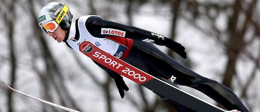 Stefan Hula zdobył w Wiśle-Malince tytuł mistrza Polski w skokach narciarskich. Drugi był Piotr Żyła, a trzeci Kamil Stoch. Po pierwszej serii prowadzili Hula i Stoch. Obaj zdobyli po 121,8 pkt. Pierwszy z nich oddał skok 123,5 m, a drugi 126 (ale miał niskie noty za lądowanie). Trzeci był Żyła - 119 m (111,7 pkt).
