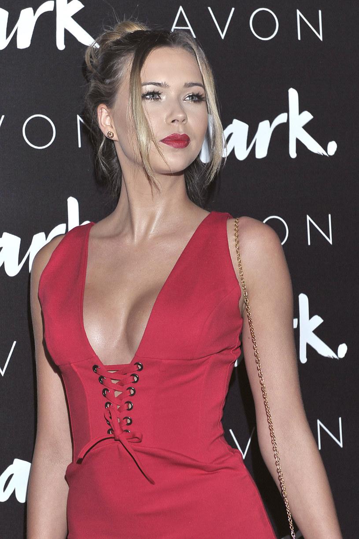 Plotkarskie media donoszą o zaręczynach polskiej supermodelki Sandry Kubickiej. Wybrankiem jej serca jest francuski DJ Cedric Gervais.