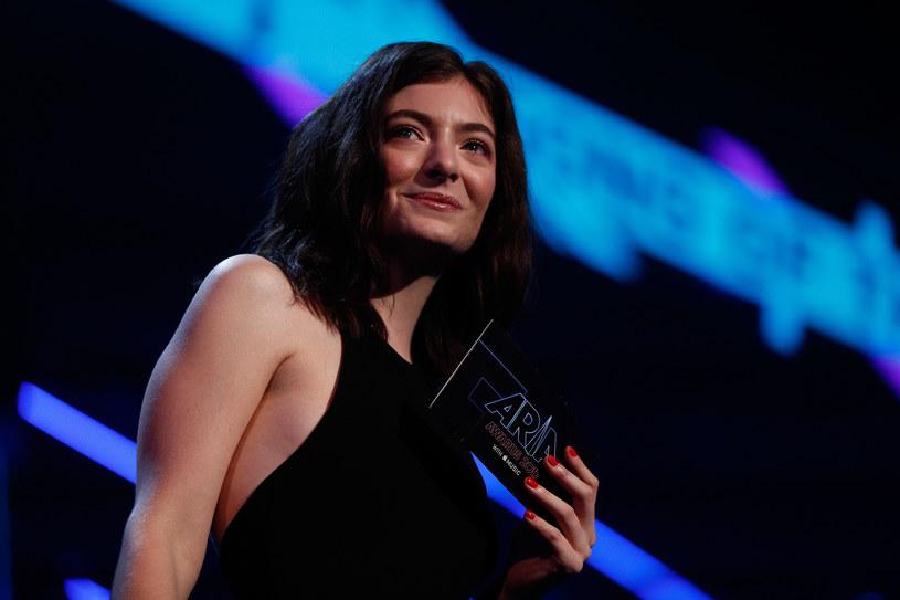 Z powodu fali krytyki, jaka spadła na Lorde, wokalistka postanowiła odwołać swój koncert w Tel Awiwie. Ta decyzja nowozelandzkiej gwiazdy również nie wszystkim się spodobała.