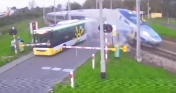 Jest akt oskarżenia przeciwko kierowcy autobusu, który we wrześniu doprowadził do zderzenia z pociągiem Pendolino na przejeździe kolejowym w Nowym Dworze Mazowieckim. Mężczyźnie grozi do 5 lat więzienia.