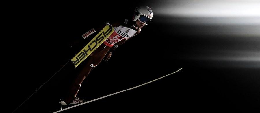 Kamil Stoch kontra Austriak Manuel Fettner - to najciekawsza para z udziałem Polaka w pierwszej serii inauguracyjnego konkursu 66. edycji narciarskiego Turnieju Czterech Skoczni. W niemieckim Oberstdorfie wystąpi pięciu biało-czerwonych.