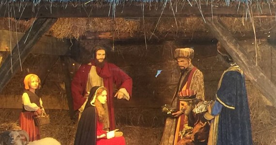 """Ze żłóbka na Wielkim Placu w Brukseli skradziono figurkę Jezusa - pisze belgijski dziennik """"La Derniere Heure"""". Do kradzieży doszło w nocy z czwartku na piątek. Pięciokątny Wielki Plac, na który wychodzi siedem ulic, przyciąga wielu turystów."""