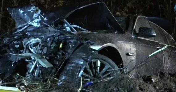 Na dwa miesiące został aresztowany 32-letni kierowca BMW, któremu prokuratura przedstawiła zarzut umyślnego naruszenia zasad bezpieczeństwa w ruchu lądowym. Miał ponad 2,6 promila alkoholu we krwi. W wypadku cztery osoby zginęły, a trzy zostały ranne.