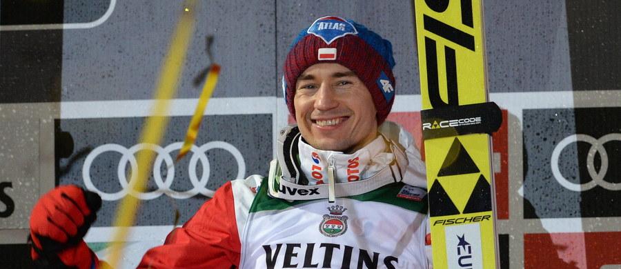 Kamil Stoch zdobył nagrodę Skok Roku - za największą, łączną długość wszystkich prób w zawodach Pucharu Świata w 2017 roku. W 48 skokach uzyskał w sumie 7004,5 m. Najdalej wylądował w Vikersund – 238,5 m, a najbliżej w Pjongczangu – 100 m.