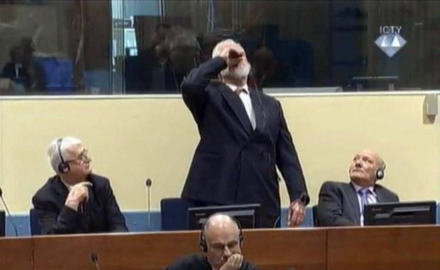 Trybunał ONZ ds. zbrodni wojennych w byłej Jugosławii dopełnił wszystkich procedur wobec jednego z dowódców wojska bośniackich Chorwatów Slobodana Praljaka, a jego samobójstwu nie dałoby się zapobiec - wynika z wewnętrznego śledztwa w tejsprawie. Praljak - były wiceminister obrony Chorwacji i szef sztabu wojska bośniackich Chorwatów (HVO) - 29 listopada zażył truciznę w sali sądowej, gdy trybunał ogłosił, że podtrzymuje wobec niego karę 20 lat więzienia za zbrodnie wojenne podczas konfliktu chorwacko-bośniackiego z lat 1993-94, który wybuchł podczas wojny w Bośni i Hercegowinie w latach 1992-95.