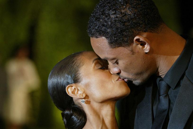 """Słynna hollywoodzka para Will Smith i Jada Pinkett Smith świętuje 20. rocznicę ślubu. W związku z tą okazją Smith umieścił emocjonalny wpis na swoim Instagramie. """"Nauczyłem się, że miłość to słuchanie, miłość to dawanie, miłość to wolność"""" - oto fragment jego postu."""