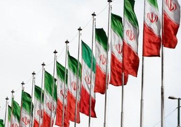 """Protesty w Iranie. Reformatorzy potępiają przemoc i """"oszustwa"""" USA"""
