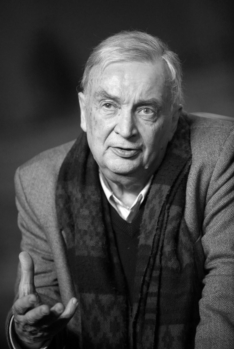 Odszedł artysta z jasną wizją swojego teatru; teatru niesłychanie aktorskiego - powiedział w środę PAP reżyser teatralny Edward Wojtaszek, który był studentem Lassalle'a na Uniwersytecie Paryskim i jego współpracownikiem w Teatrze Narodowym w Warszawie