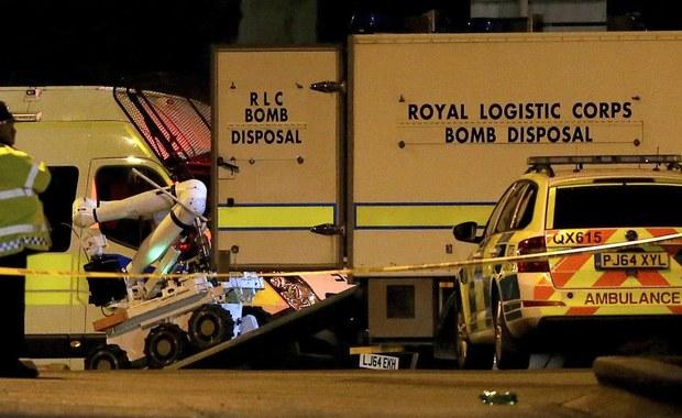 Bohater antybohaterem. Bezdomny mężczyzna, który po ubiegłorocznym zamachu w Manchesterze pomagał rannym, przyznał się w sądzie do ich okradania. W wyniku samobójczego ataku po koncercie Ariany Grande w manchesterskiej Arenie zginęły 22 osoby.