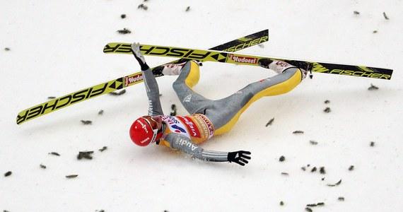 Fatalnie zakończył się dla Richarda Freitaga start w trzecim konkursie Turnieju Czterech Skoczni - w Innsbrucku. W pierwszej serii zawodów Niemiec skoczył aż 130 m, ale przy lądowaniu zaliczył groźnie wyglądający upadek. Został sklasyfikowany na 22. pozycji, ale ostatecznie wycofał się z rywalizacji w finale.