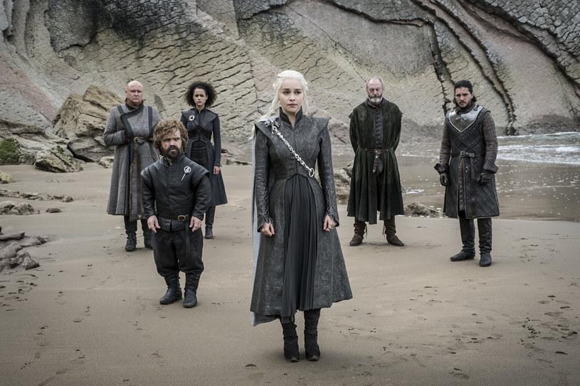 """Fani """"Gry o tron"""" będą niepocieszeni. HBO oficjalnie potwierdziło, że premiera ósmego sezonu kultowego serialu odbędzie się dopiero w 2019 roku."""