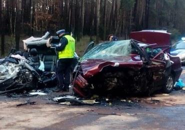 Tragiczny wypadek w Wielkopolsce. 2 osoby zginęły, dzieci wśród rannych