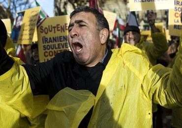 """Protesty sterowane z zagranicy? Iran twierdzi, że ma """"twarde dowody"""""""