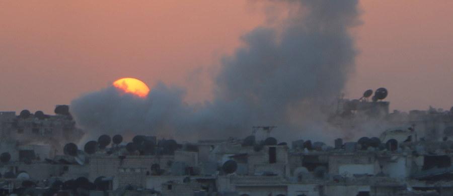 Co najmniej 18 osób zginęło, a dziesiątki odniosły rany w eksplozji, do której doszło w syryjskim mieście Idlib, na północnym zachodzie kraju. Wśród ofiar są cywile - podało w niedzielę Syryjskie Obserwatorium Praw Człowieka z siedzibą w Londynie.