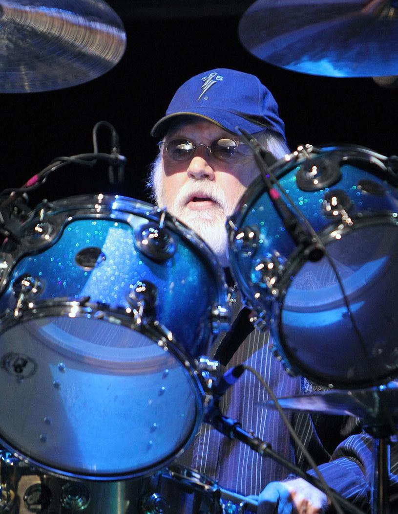 Blisko 80-letni perkusista Ronnie Tutt opowiada o swojej współpracy z Elvisem Presleyem i relacjach łączących go z Królem Rock'n'Rolla.