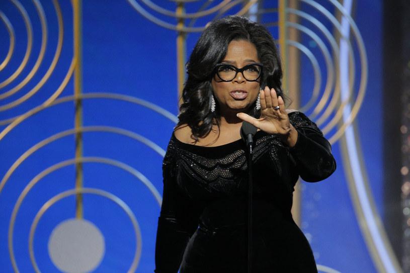 Ikona telewizji, Oprah Winfrey, dołączyła do grona gwiazd, które w dobie pandemii koronawirusa przekazały duże kwoty na cele charytatywne. Ulubienica Amerykanów na pomoc swoim rodakom przeznaczyła 10 mln dolarów.