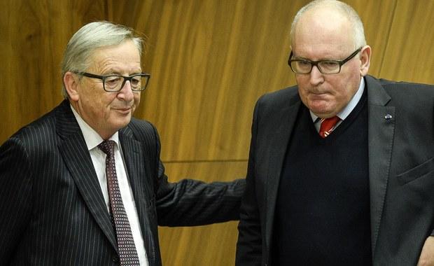 """Na kolacji z premierem Morawieckim Komisja Europejska zastosuje metodę """"dobrego i złego policjanta"""". Tym """"dobrym"""" będzie szef KE Jean-Claude Juncker, a """"złym"""" - wiceszef komisji Frans Timmermans. Ten drugi wszczął procedurę ws. praworządności przeciwko Polsce, a w grudniu uruchomił wobec Polski artykuł 7 Traktatu UE."""