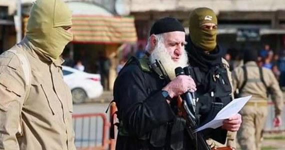 """Kat Państwa Islamskiego, znany jako """"Białobrody"""", został zatrzymany w Mosulu, a po kilku minutach zapłacił łapówkę, by znów znaleźć się na wolności - poinformował jeden z mosulskich urzędników. Mężczyzna miał zapłacić 7,5 tys. dolarów za swoją wolność."""