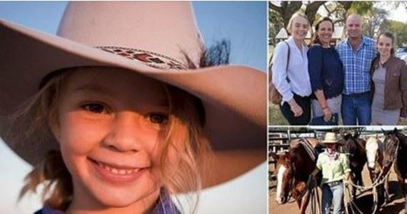 """""""Chciała uciec przed złem tego świata"""" - napisał na Facebooku ojciec 14-letniej Amy """"Dolly"""" Everett. Tydzień temu nastolatka popełniła samobójstwo. Była prześladowana w internecie. Dziewczyna była bardzo dobrze znana w Australii - gdy miała 8 lat została """"twarzą"""" kampanii słynnych kapeluszy Akubra."""