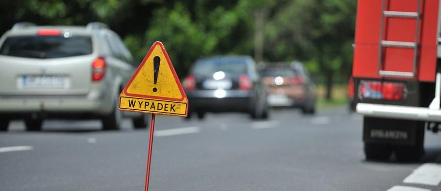 Rekordowe statystyki bezpieczeństwa w ruchu drogowym. Jak dowiedział się reporter RMF FM Krzysztof Zasada, w wypadkach w zeszłym roku zginęło 2797 osób. To najmniej w historii prowadzenia policyjnych zestawień.