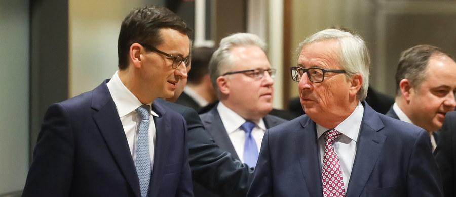 Premier Mateusz Morawiecki nie przekonał Jean-Claude'a Junckera i Fransa Timmermansa do polskiej reformy sądownictwa. Unijny komisarz ds. budżetu Gunter Oettinger uważa, że zadaniem Komisji Europejskiej jest przekonanie Polski do zasad praworządności. Komisja podtrzymuje więc swoje stanowisko w kwestii  praworządności i uważa, że ma rację negatywnie oceniając reformę sądownictwa w Polsce - informuje dziennikarka RMF FM Katarzyna Szymańska-Borginon.