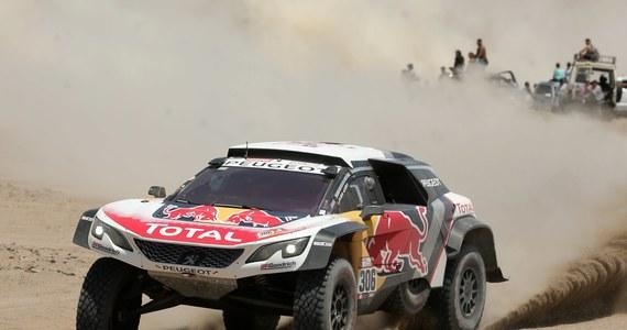 Dziewięciokrotny rajdowy mistrz świata Francuz Sebastien Loeb (Peugeot 3008 DKR), który dzień wcześniej wygrał 4. etap, w środę na 5. etapie zakończył jazdę w Rajdzie Dakar.