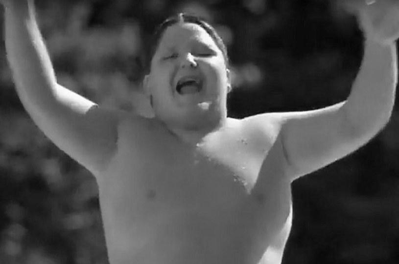 """Dziecięcy aktor Joseph Wayne Miller, znany z roli w komedii """"Waga ciężka"""", nie żyje. Miał 36 lat."""
