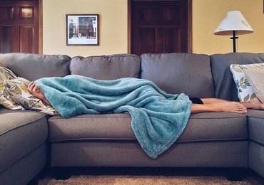 Łóżko zamiast siłowni? Więcej śpisz, mniej jesz...