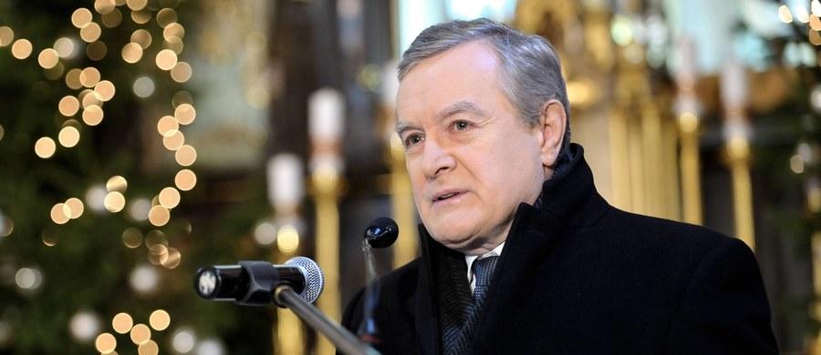 My z pewnością nie wycofamy się z prowadzenia własnej polityki, tak w dziedzinie wymiaru sprawiedliwości, jak i na przykład polityki migracyjnej - podkreślił w rozmowie z PAP wicepremier, minister kultury i dziedzictwa narodowego prof. Piotr Gliński.