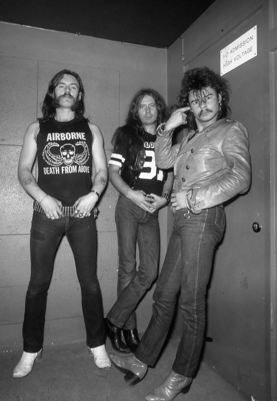 """Gwiazdy ciężkiego grania wspominają gitarzystę """"Fast"""" Eddiego Clarke'a, który zmarł w wieku 67 lat na zapalenie płuc. Był on ostatnim żyjącym muzykiem klasycznego składu grupy Motörhead."""