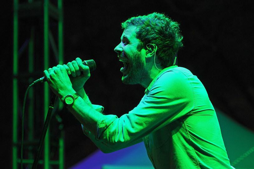 Cierpiący na zaburzenia afektywne dwubiegunowe wokalista Michael Angelakos powrócił na trasę ze swoim electro / indiepopowym zespołem Passion Pit. Jednocześnie ujawnił, że raptem kilka tygodni wcześniej miał ostry epizod maniakalny.
