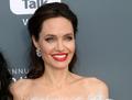 Wychudzona Angelina Jolie na ściance