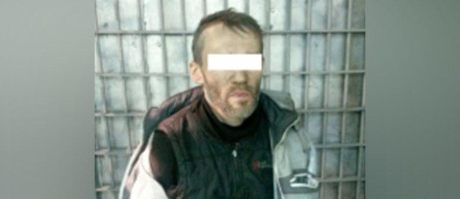 Policja w rosyjskim Jekaterynburgu zatrzymała podejrzanego o serię morderstw i gwałtów na kobietach. Mężczyzna pierwszy raz zaatakował w 1992 roku.