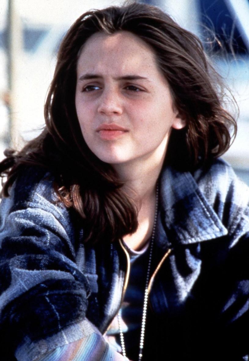 """Aktorka Eliza Dushku  twierdzi, że na planie """"Prawdziwych kłamstw"""" (1994) została wykorzystana seksualnie przez kierownika kaskaderów. W trakcie kręcenia filmu Jamesa Camerona miała zaledwie 12 lat."""